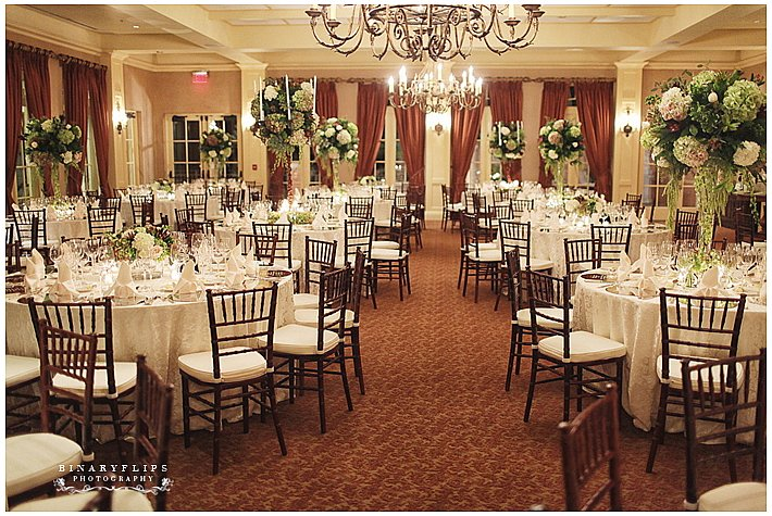 Cl And Timeless Elegance Enhanched With Our Mahogany Chiavari Chairs Table Als Niche Event Naples Fl
